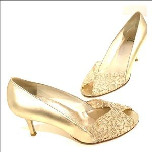STUART WEITZMAN Chantelle Gold Leather Size 8.5 M